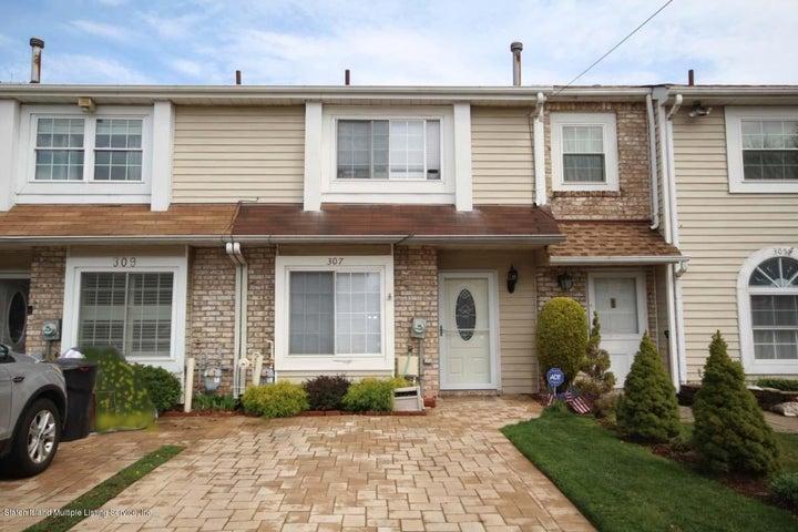 307 Lamberts Lane, Staten Island, NY 10314
