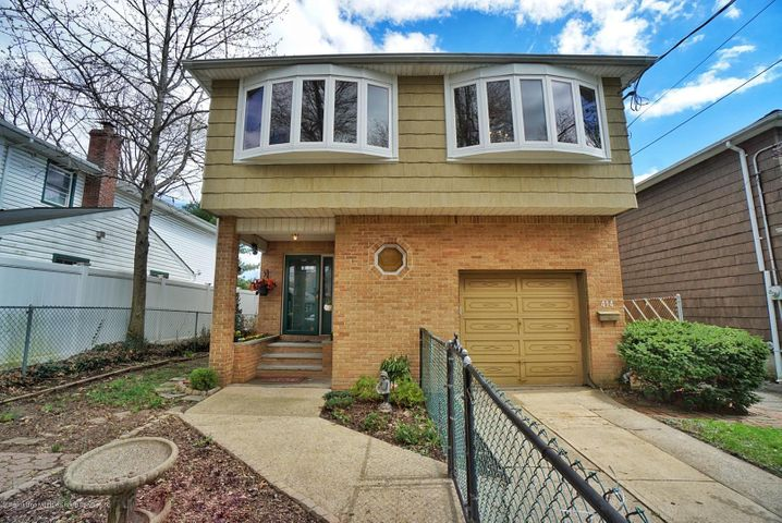 414 Pendale Street, Staten Island, NY 10306
