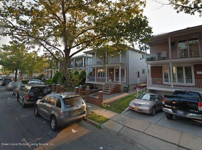 32 Woodcrest Road, Staten Island, NY 10303
