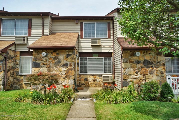 17 Fuller Court, A, Staten Island, NY 10306