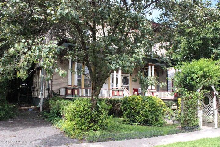11 Trinity Place, Staten Island, NY 10310