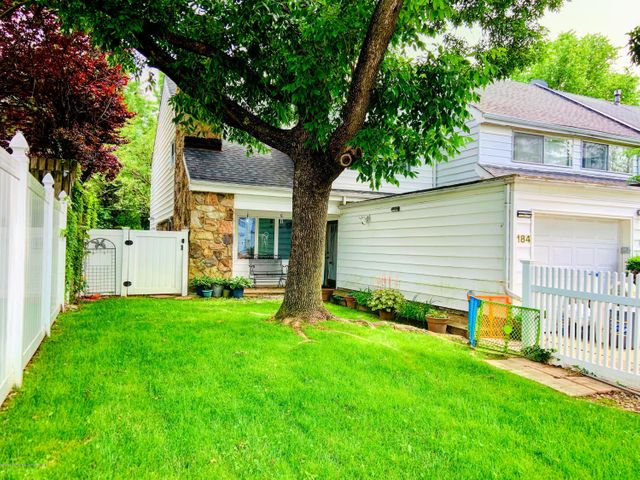 184 Forest Green, Staten Island, NY 10312