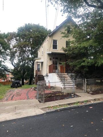 31 Layton Avenue, Staten Island, NY 10301