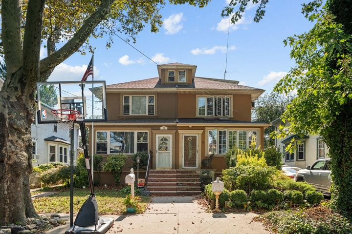 18 Howard Court, Staten Island, NY 10310