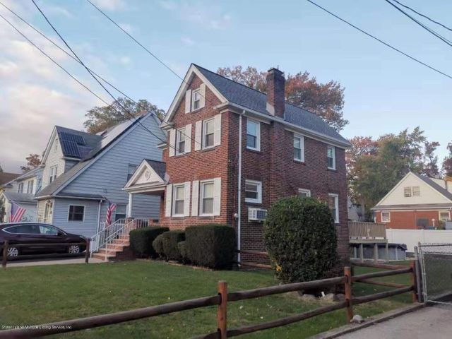 101 Ramblewood Avenue, Staten Island, NY 10308
