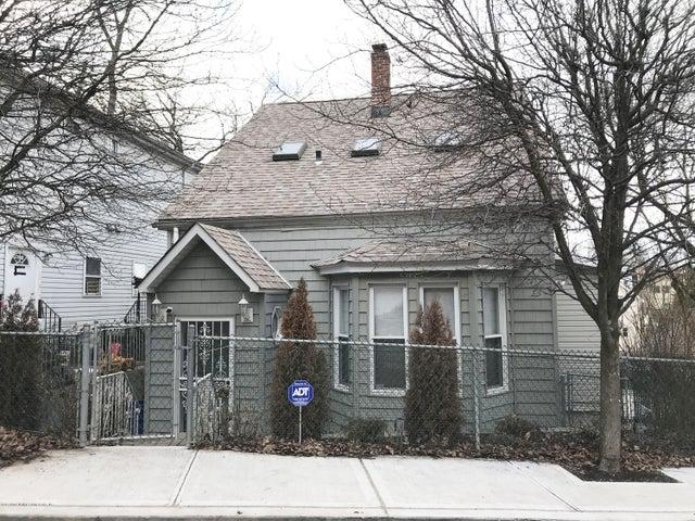 35 Wandel Avenue, Staten Island, NY 10304