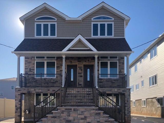 48 Mapleton Avenue, Staten Island, NY 10306