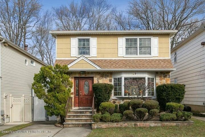 97 Tanglewood Drive, Staten Island, NY 10308