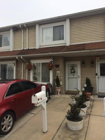 12 Doreen Drive, Staten Island, NY 10303
