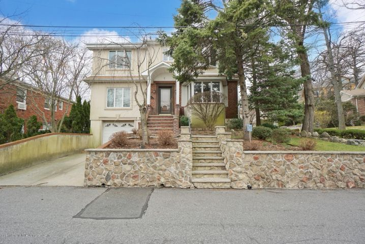 6 Wilsonview Place, Staten Island, NY 10304
