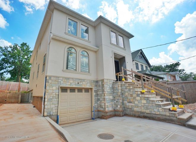 3634 Richmond Road, Staten Island, NY 10306