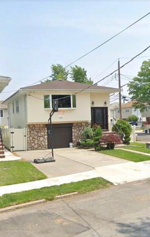 200 Hurlbert Street, Staten Island, NY 10305