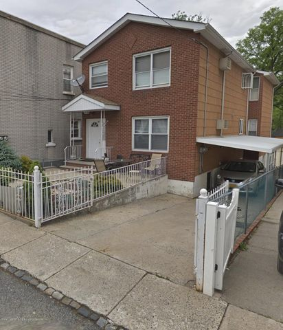 27 White Plains Avenue, Staten Island, NY 10305