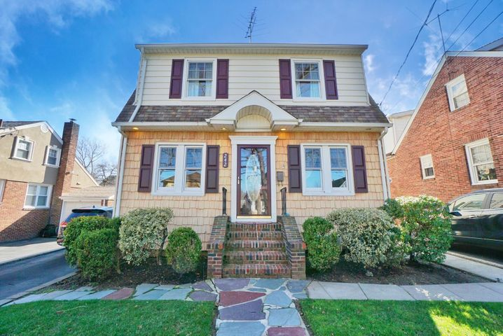 242 Burbank Avenue, Ph, Staten Island, NY 10306