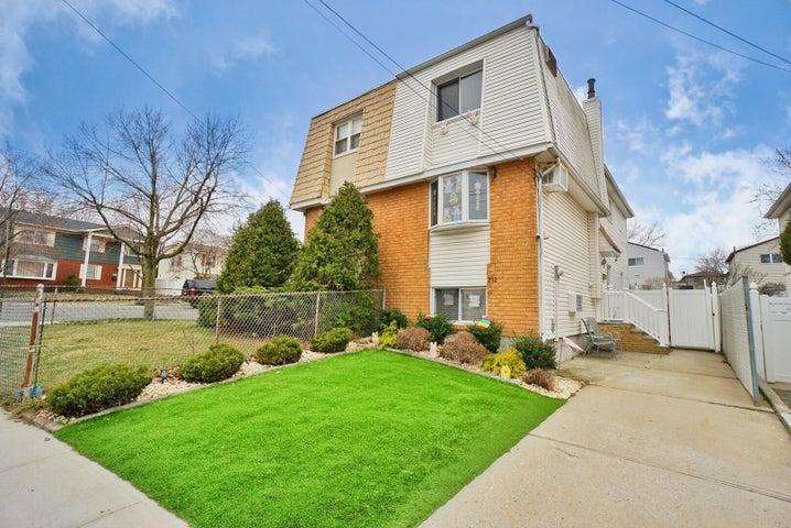 212 Brookflield Avenue, Staten Island, NY 10308