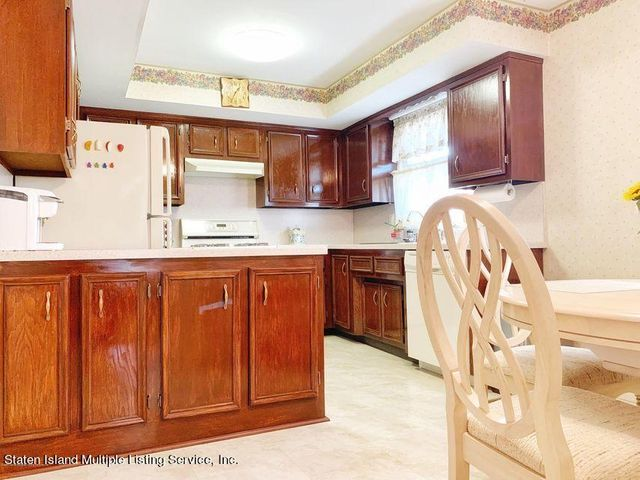 310 Caswell Avenue, Staten Island, NY 10314