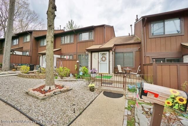 1810 Forest Hill Road, Staten Island, NY 10314