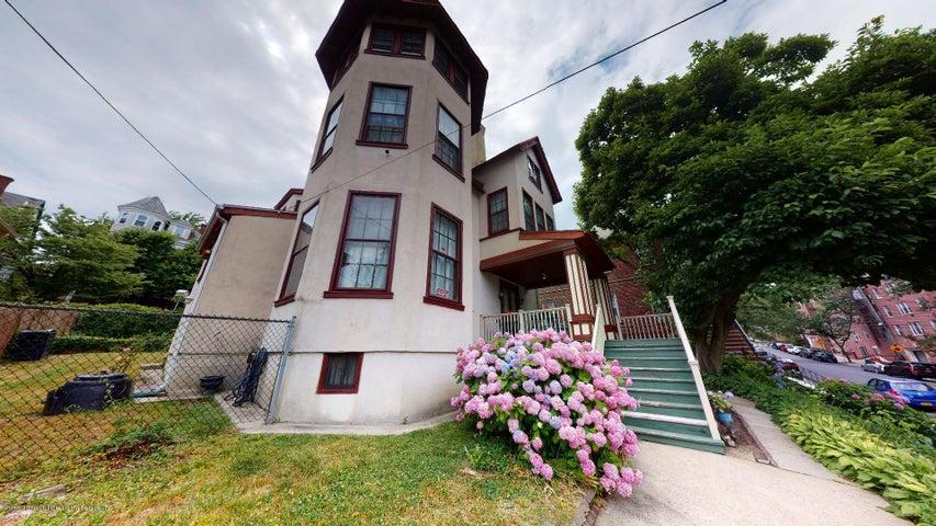 150 Daniel Low Terrace, Staten Island, NY 10301