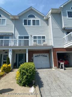 615 Johnston Terrace, Staten Island, NY 10309