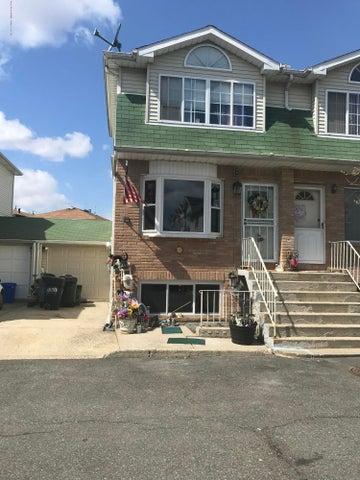 133 Woodcutters Lane, Staten Island, NY 10306