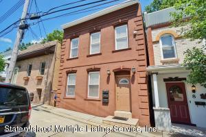 10 Shaughnessy Lane, Staten Island, NY 10305