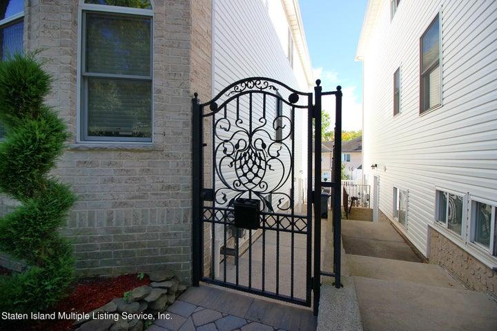 354 Albourne Avenue, Staten Island, NY 10309