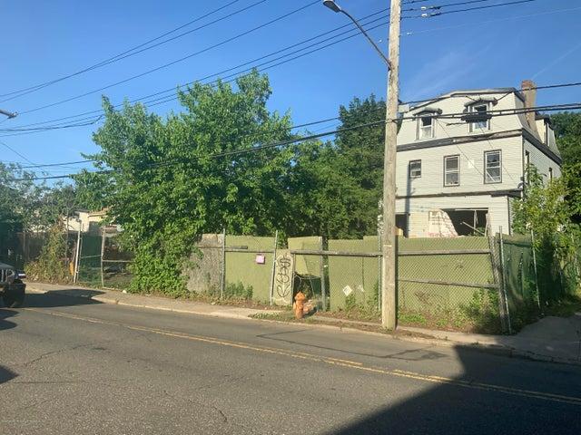 Staten Island , New York 10302