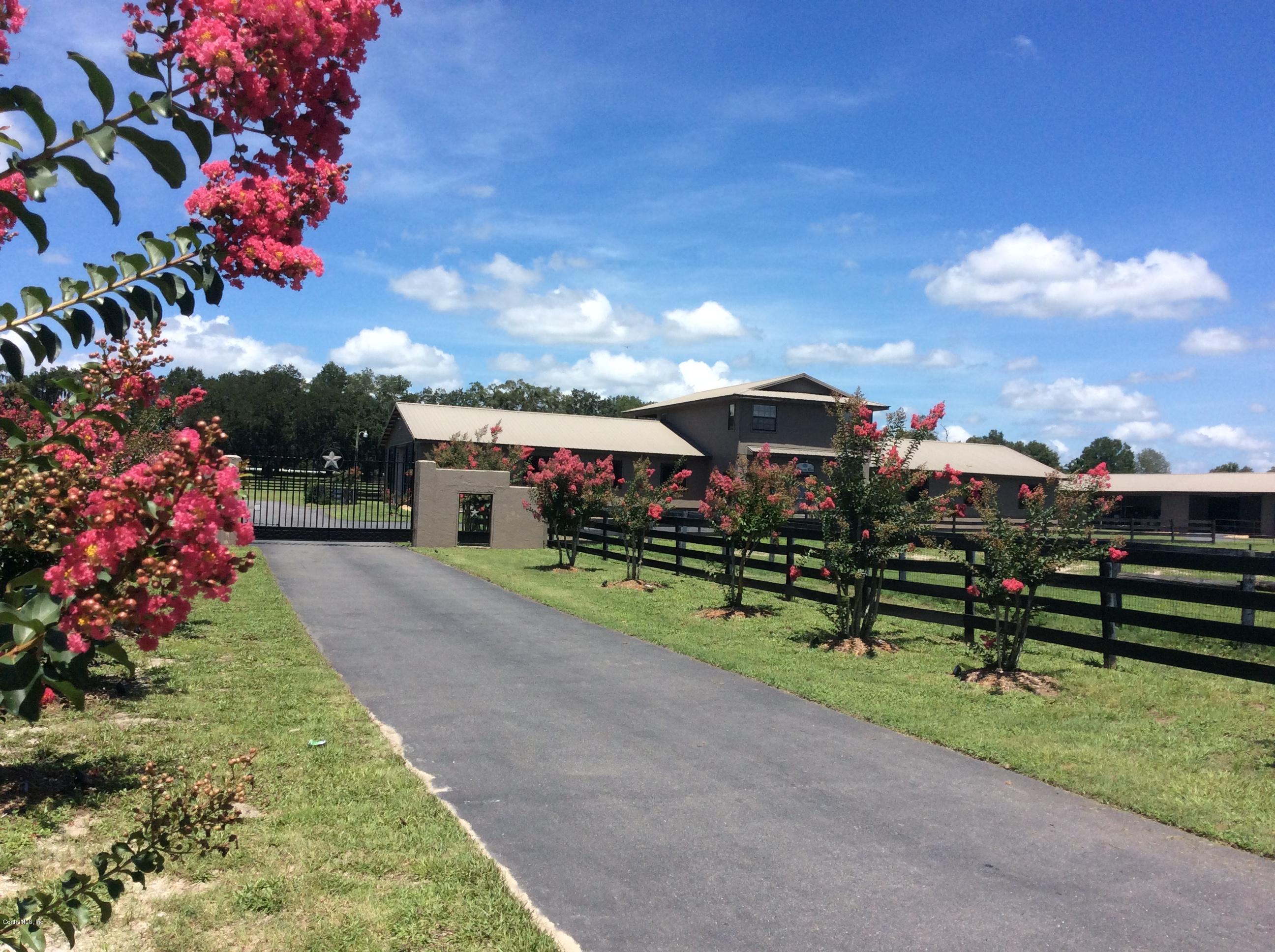 3 Bedrooms Farm in Reddick