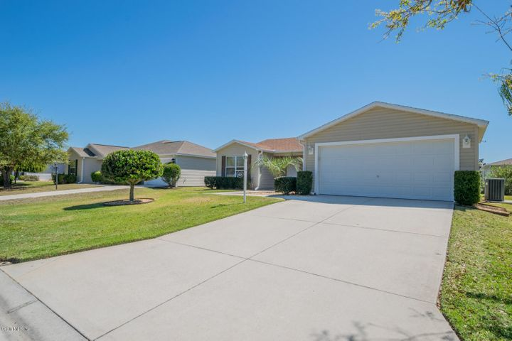 1600 Blossom Terrace, The Villages, FL 32162