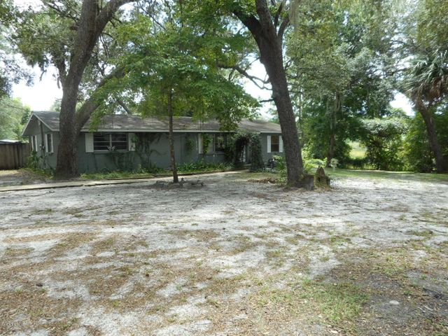 16910 NE 6 Lane Road, Silver Springs, FL 34488