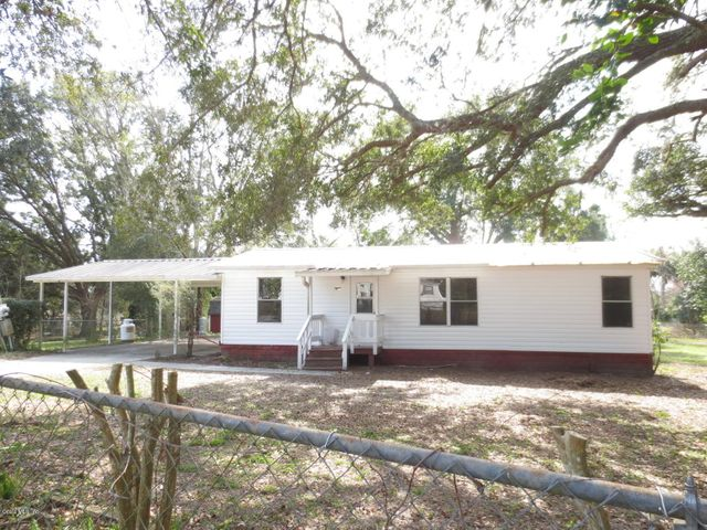 17380 SE 35th Lane, Ocklawaha, FL 32179