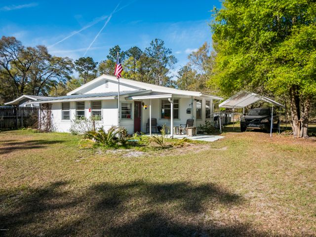 15600 NE 150th Court, Fort McCoy, FL 32134