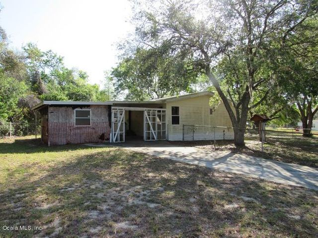 5923 SE 184th Court, Ocklawaha, FL 32179