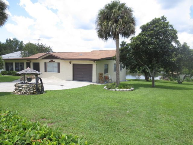5900 SE 168th Court, Ocklawaha, FL 32179