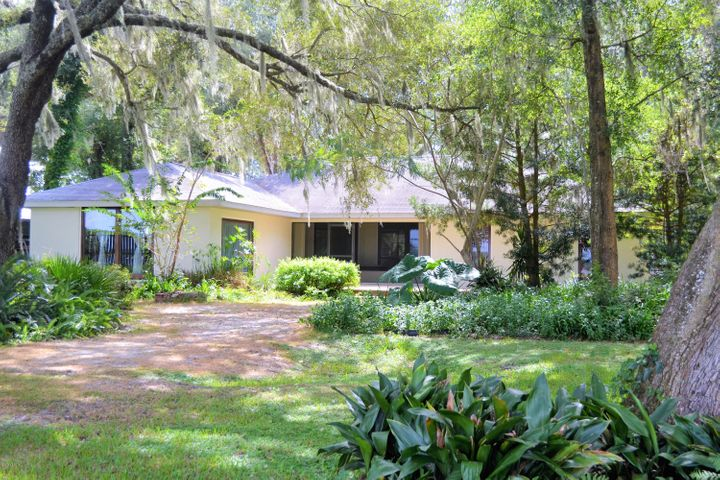 22555 NE 131 Lane, Salt Springs, FL 32134