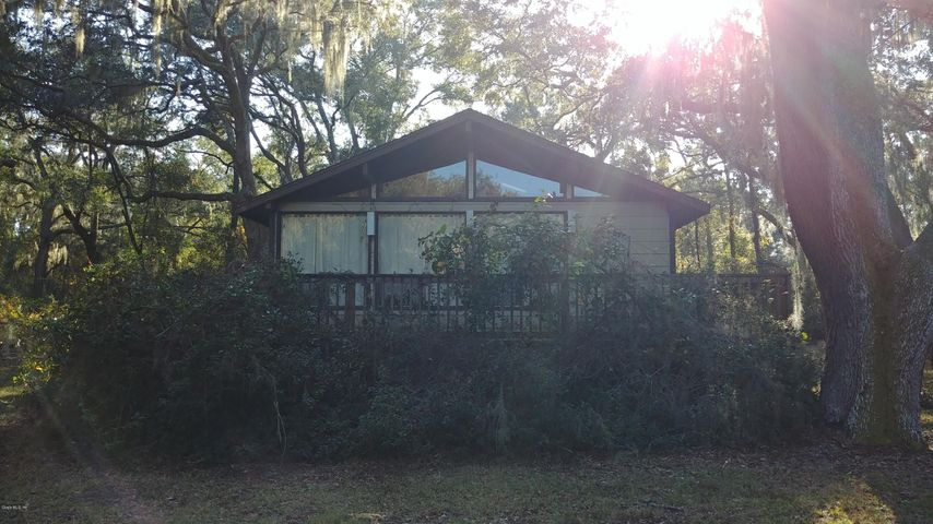 5870 SE 166th Court, Ocklawaha, FL 32179