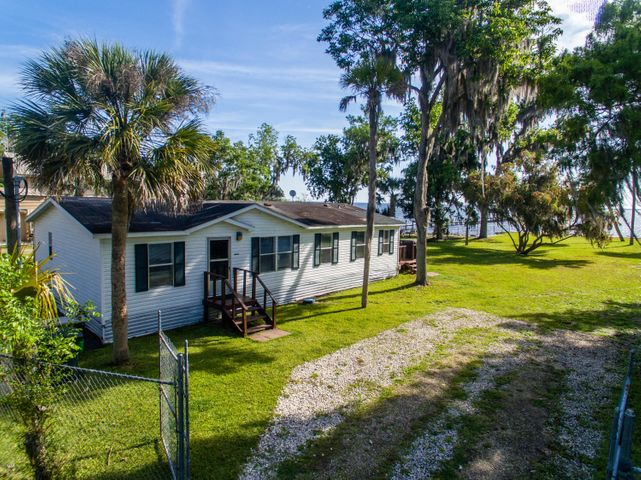 9515 NE 307th Court, Salt Springs, FL 32134