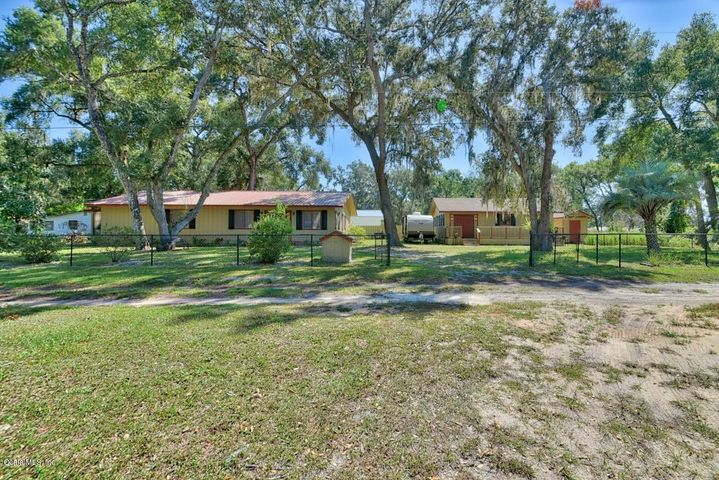 11345 SE 188th Avenue, Ocklawaha, FL 32179