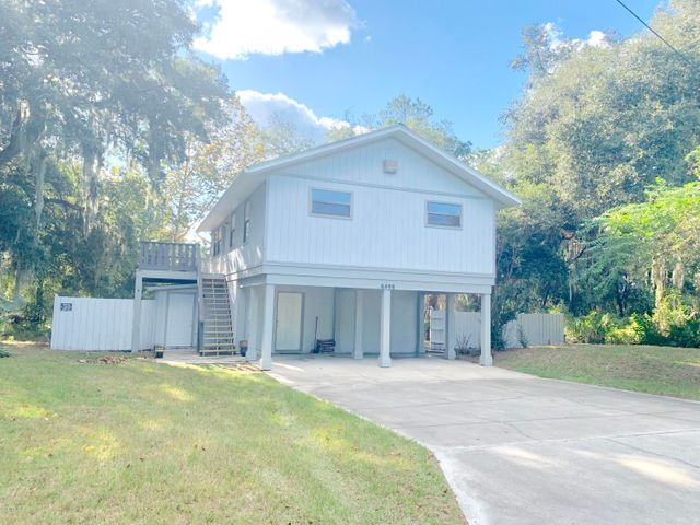 6498 SE 167th Court, Ocklawaha, FL 32179
