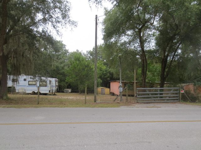 15875 SE 58th Place, Ocklawaha, FL 32179