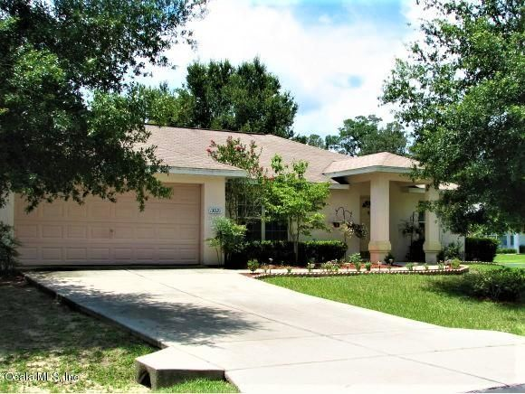 Outstanding 13020 Ne 7Th Loop Silver Springs Fl 34488 Marion County Beutiful Home Inspiration Ommitmahrainfo