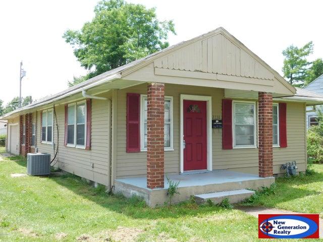 2738 E 11th Street, Joplin, MO 64801