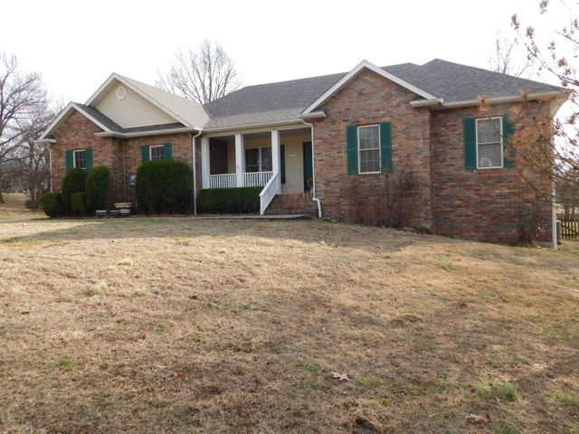 302 Crimson Oak Ct, Joplin, MO 64801