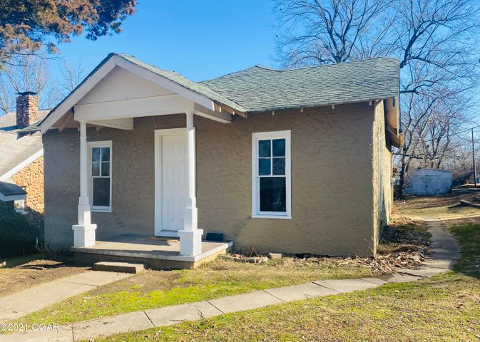 319 S Washington Street, Neosho, MO 64853