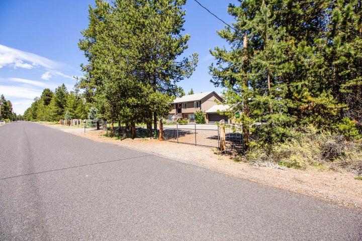 52636 Center Drive, La Pine, OR 97739