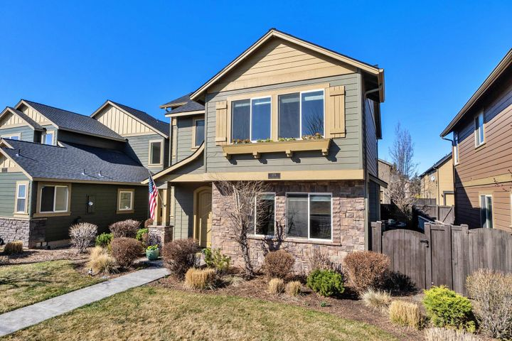 3751 NE Purcell Boulevard, Bend, OR 97701