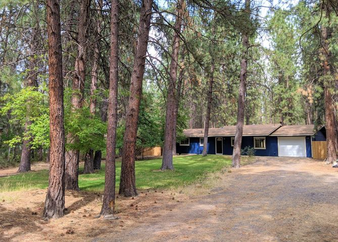 60140 Agate Road, Bend, OR 97702