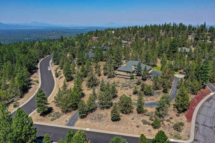 1612 NW Promontory Drive, Bend, OR 97702