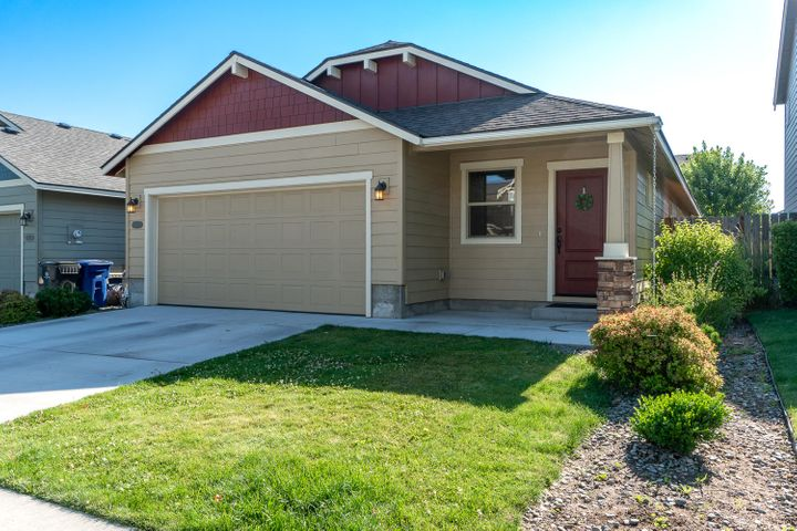 61928 SE Lorrin Place, Bend, OR 97702