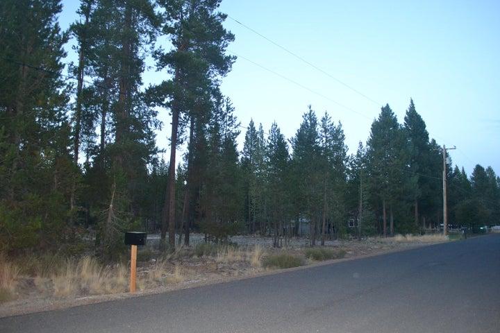 16158 North Drive, La Pine, OR 97739